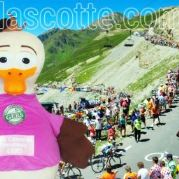 Fabrication Mascotte Sur Mesure canard LE TOUR DE France (mascotte animal sur mesure).