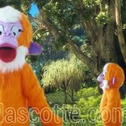 Fabrication Mascotte Sur Mesure singe orange (mascotte animal sur mesure).